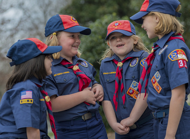 girls cubscouts